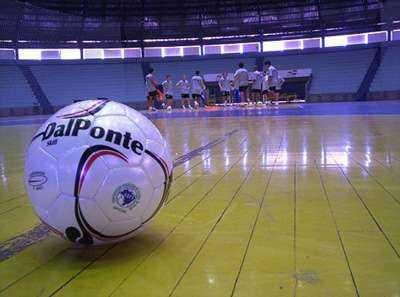 bola-de-futsal-13