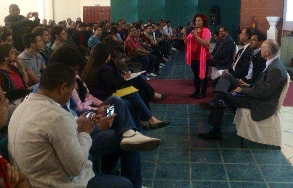 perpetua e estudantes na bolivia