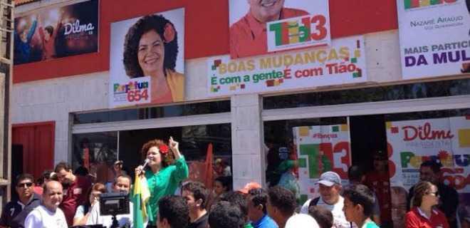 Multidão em Tarauacá faz festa para Perpétua