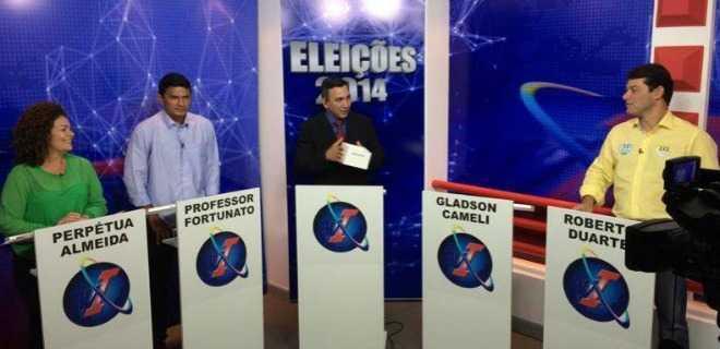 Gladson Cameli falta a debate para o Senado em Cruzeiro e é desafiado por Perpétua
