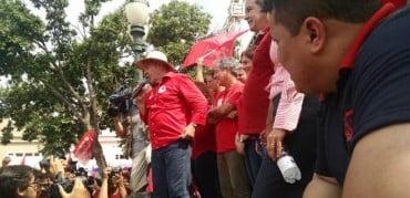 Lula: 'O Acre não pode ter um aventureiro no poder'