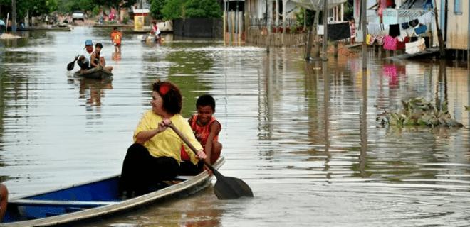 Perpétua ajuda vítimas da enchente em Tarauacá e governador comenta: 'já outros'… (vídeos e fotos)