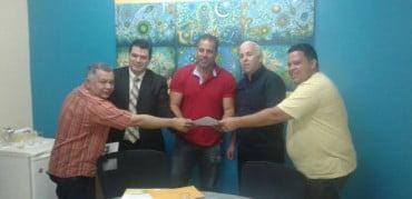 Dono de cartório doa terreno para construir escola em Sena (reunião na secretaria de Educação)