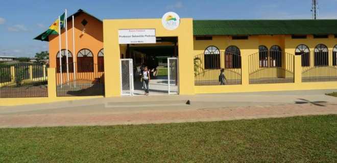 Enchente: Governo suspende aulas nas escolas estaduais