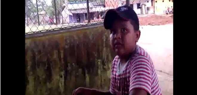 Vídeo: o menino de Brasileia ('tirei geladeira, cama, beliche…')