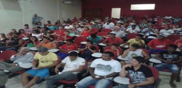 Direção estadual do PT vai a Sena e reúne dirigentes locais e militantes