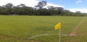 Sena: Futebol no Purus, que tem campo com grama boa