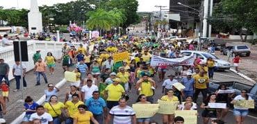 Mico total em Rio Branco (meia dúzia de gatos pingados contra Dilma)