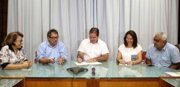 1,3 milhão para Feiras no Acre (AgroPurus é em setembro)