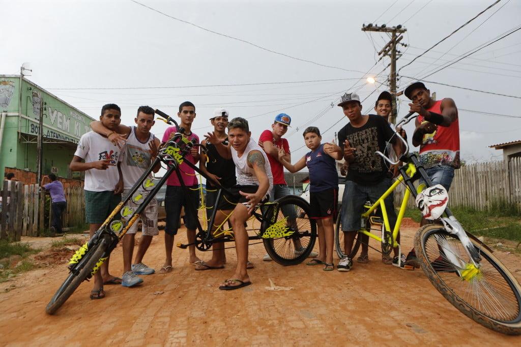 AMAZONIA/ESPECIAL  CADERNO ESPECIAL FAVELA AMAZONIA/UM RETRATO DA NOVA FLORESTA.
