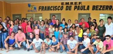 Sena homenageia 'Chico Sol' com nome de escola