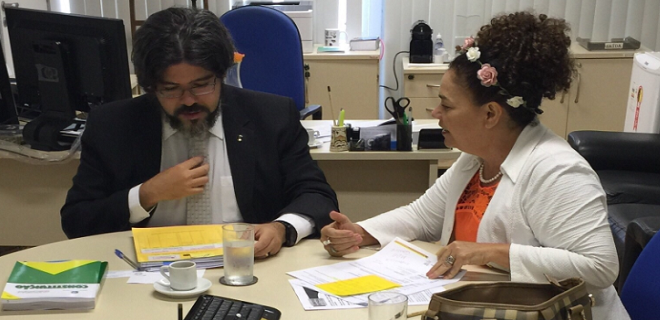 Perpétua ajuda município resolver problema de terra com a União