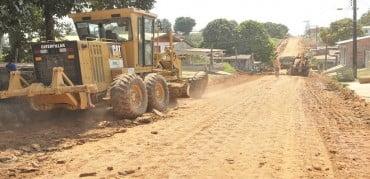Sena: prefeitura recupera rua na periferia da cidade