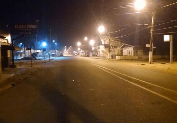 Foto deste blog: Sena, terça, 13, às 21 horas: sem uma viva alma no centro