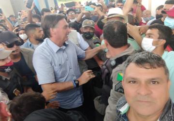 bolsonaro-em-sena-4-360x250.png